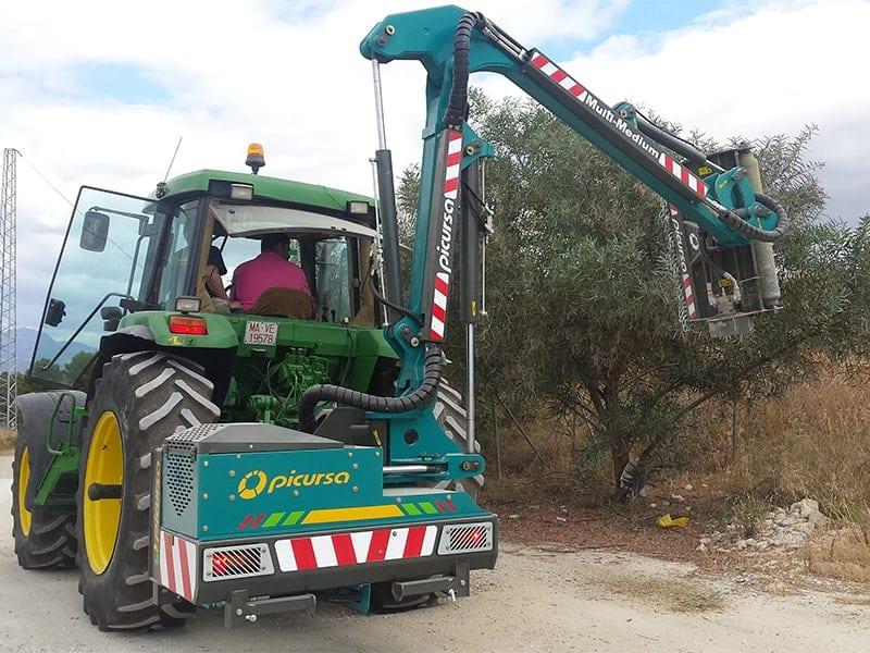 Мульчер навесной на трактор c шарнирно-сочлененнй рукой